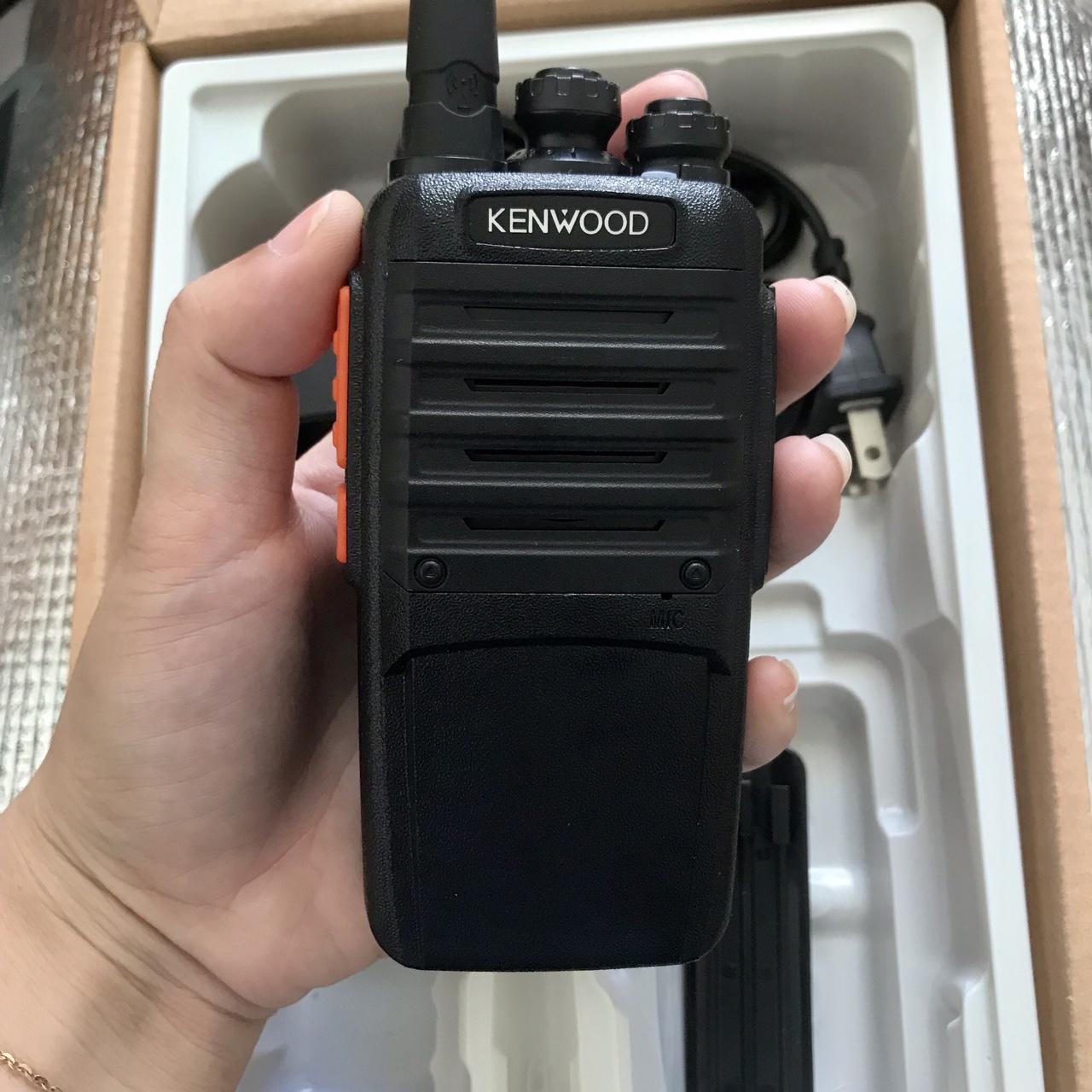 Máy bộ đàm cầm tay Kenwood TK 639